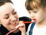 Cum se intretine sanatatea dentara a micutilor?