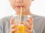 Cum trebuie sa consume micutii sucul de fructe