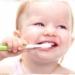 Ingrijirea dintilor de lapte la un bebelus