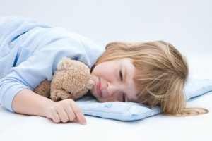 Atentie la patutul copilului