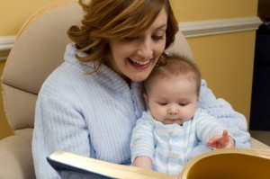 Ce trebuie sa auda bebelusul tau in fiecare zi