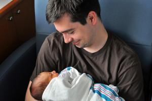Cresterea bebelusului - sfaturi pentru tati